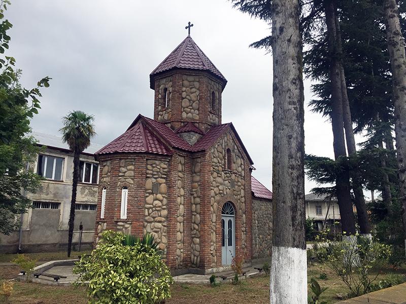 ლანჩხუთის ასი ათასი მოწამის სახელობის ეკლესია
