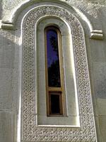 ინოვაცია - მბრუნავი სარკმელები ეკლესიებისთვის